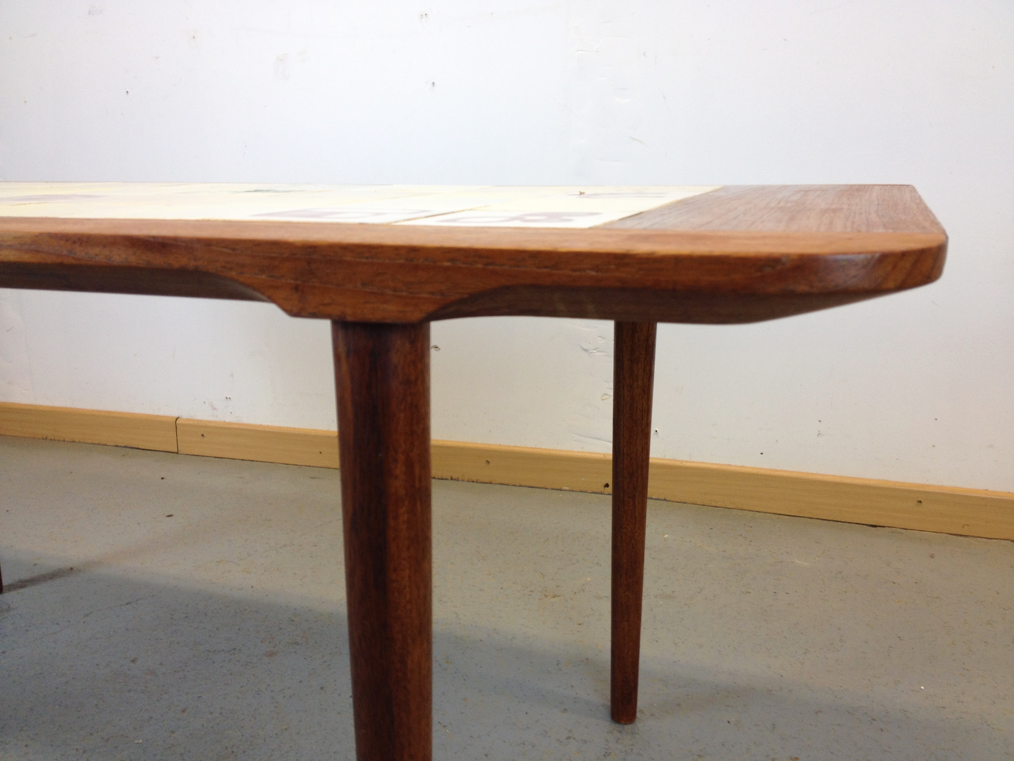 table basse mosa que ann e 60. Black Bedroom Furniture Sets. Home Design Ideas