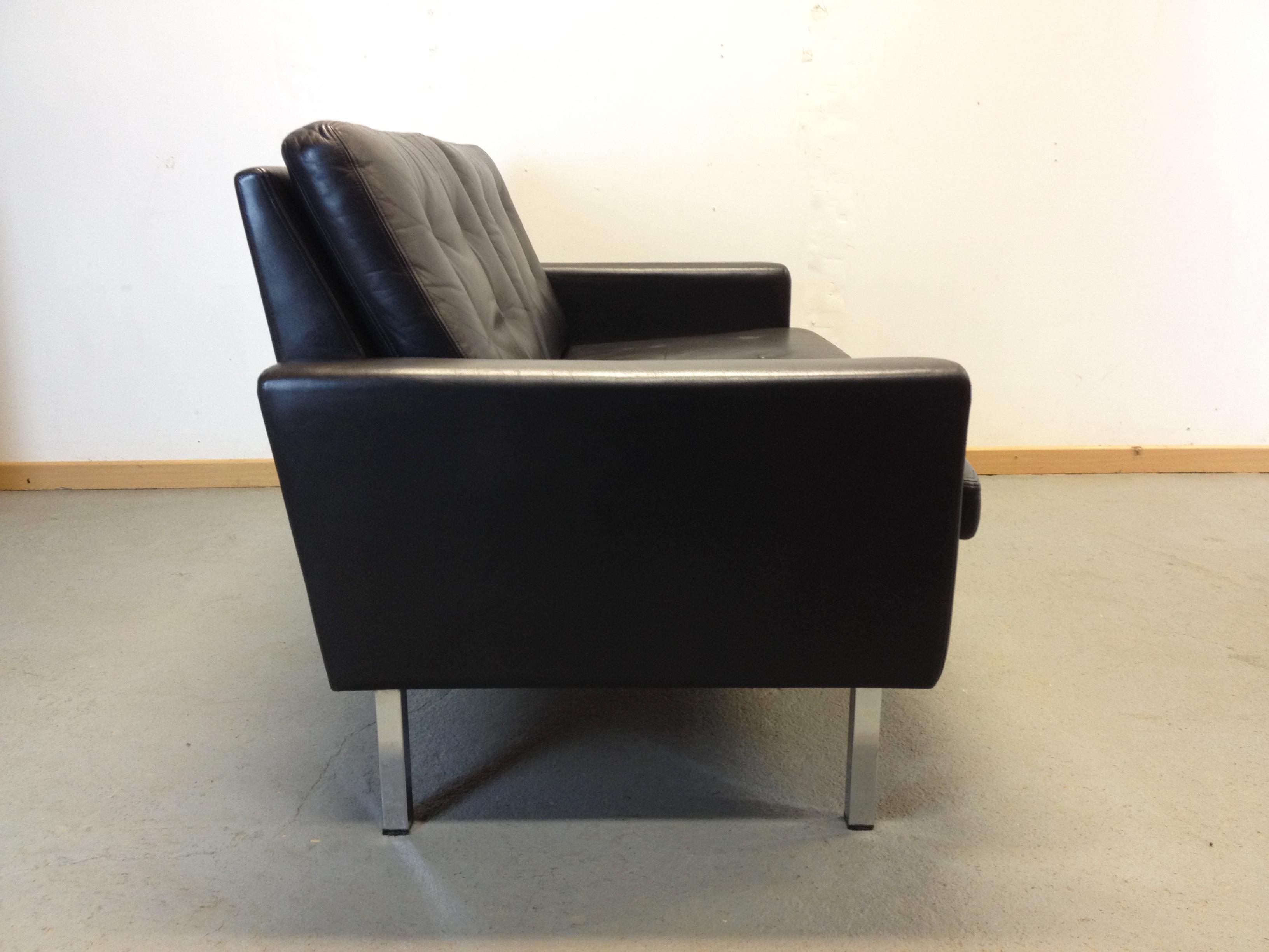canap banquette cuir 2 places ann e 60. Black Bedroom Furniture Sets. Home Design Ideas