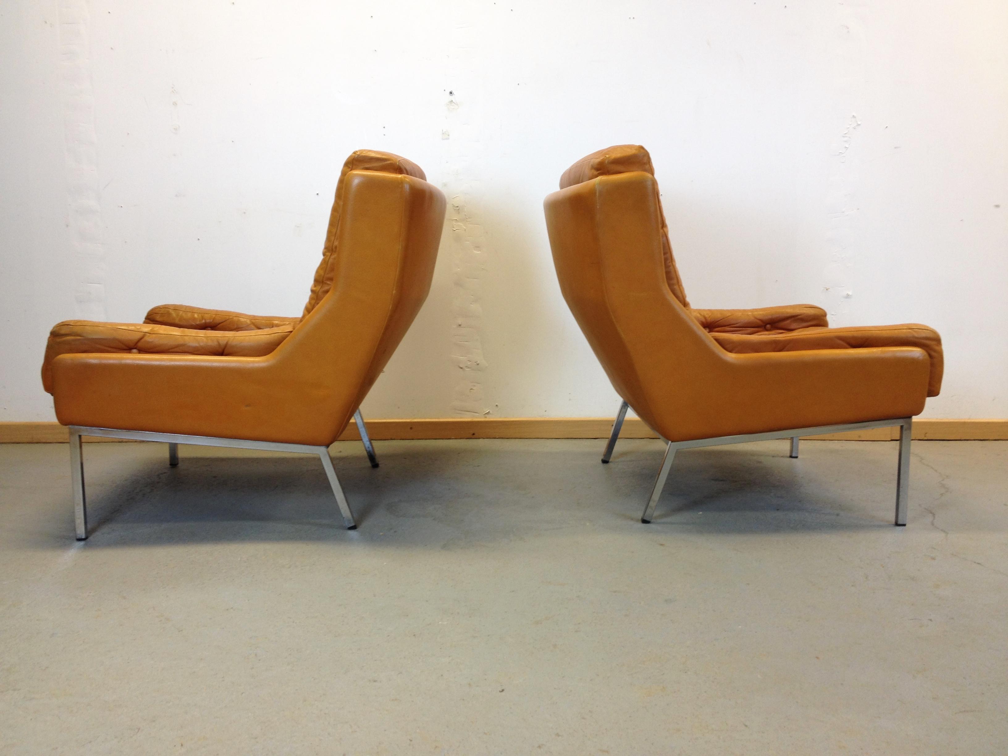 paire fauteuils scandinave cuir ann e 70. Black Bedroom Furniture Sets. Home Design Ideas