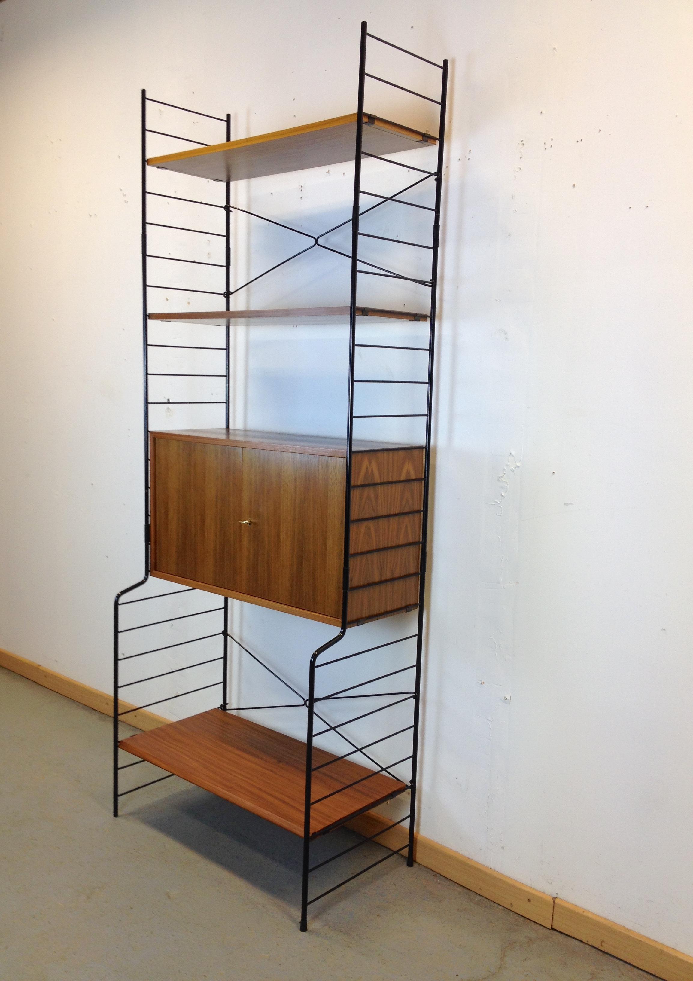 etag re biblioth que modulable scandinave string regal ann e 60. Black Bedroom Furniture Sets. Home Design Ideas
