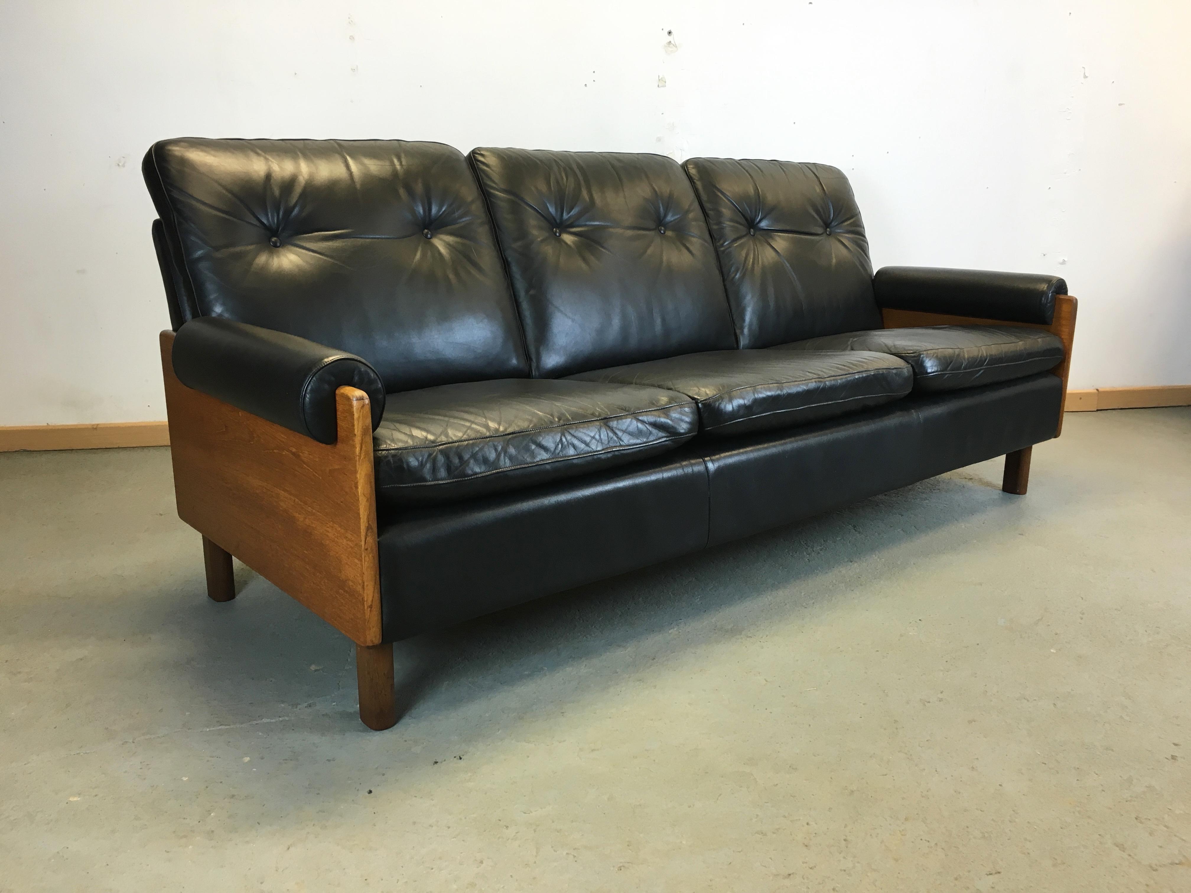 Canapé cuir Année 70 |