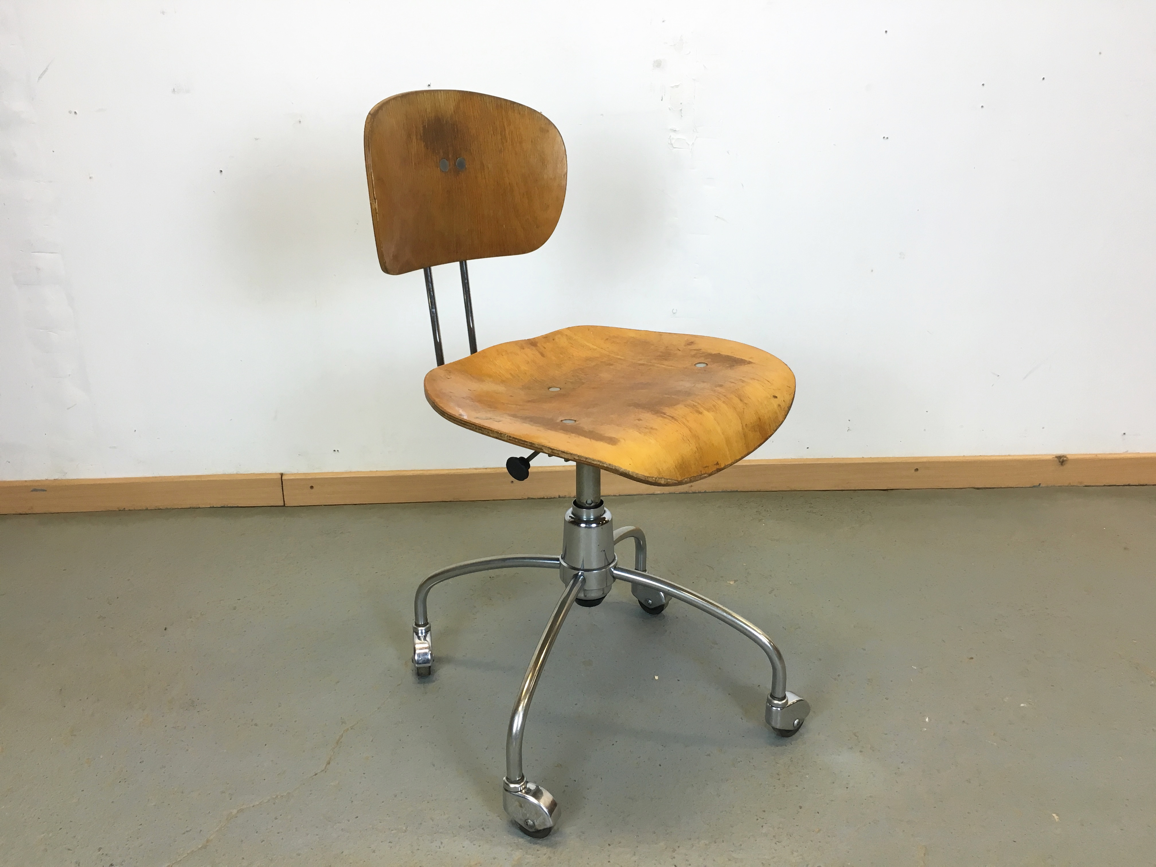 Chaise Année 7 vintage office chair SE 7 EGON EIERMANN