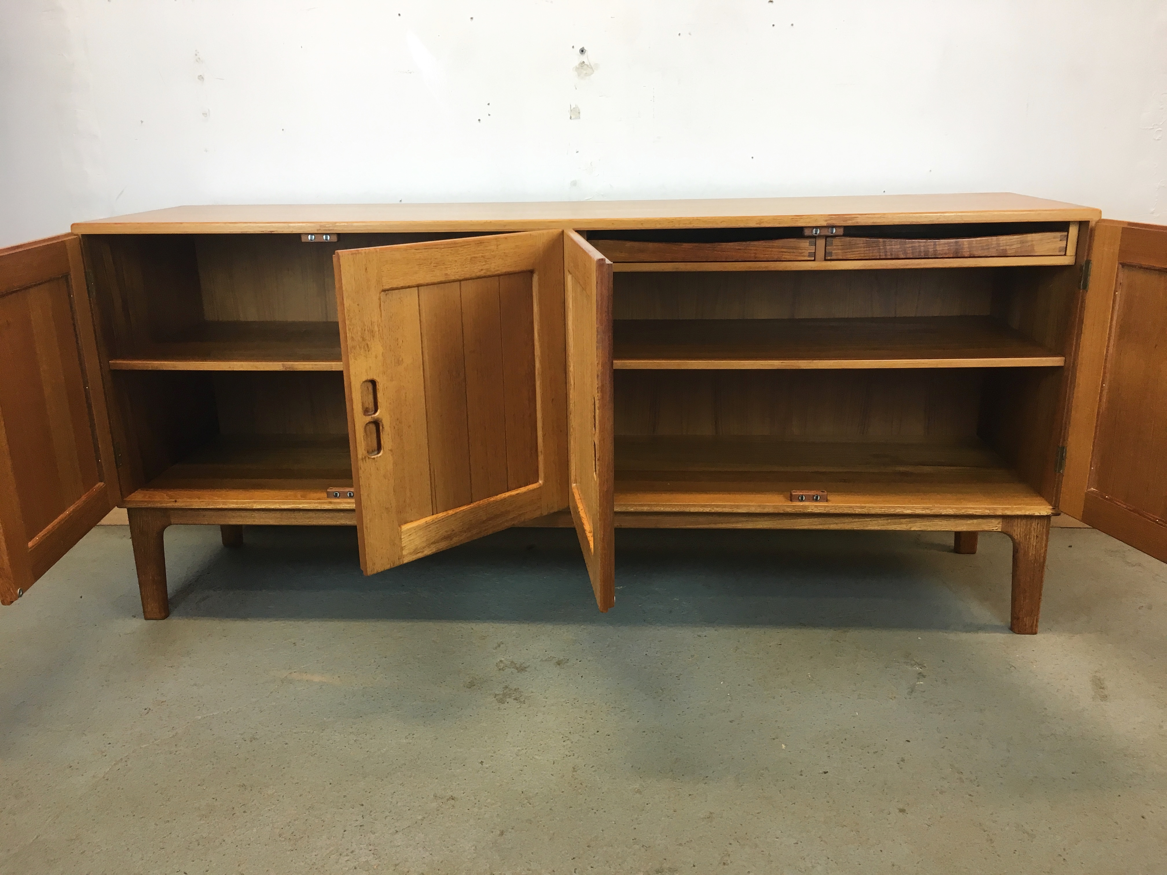 enfilade bahut scandinave ann e 60 sideboard danish. Black Bedroom Furniture Sets. Home Design Ideas