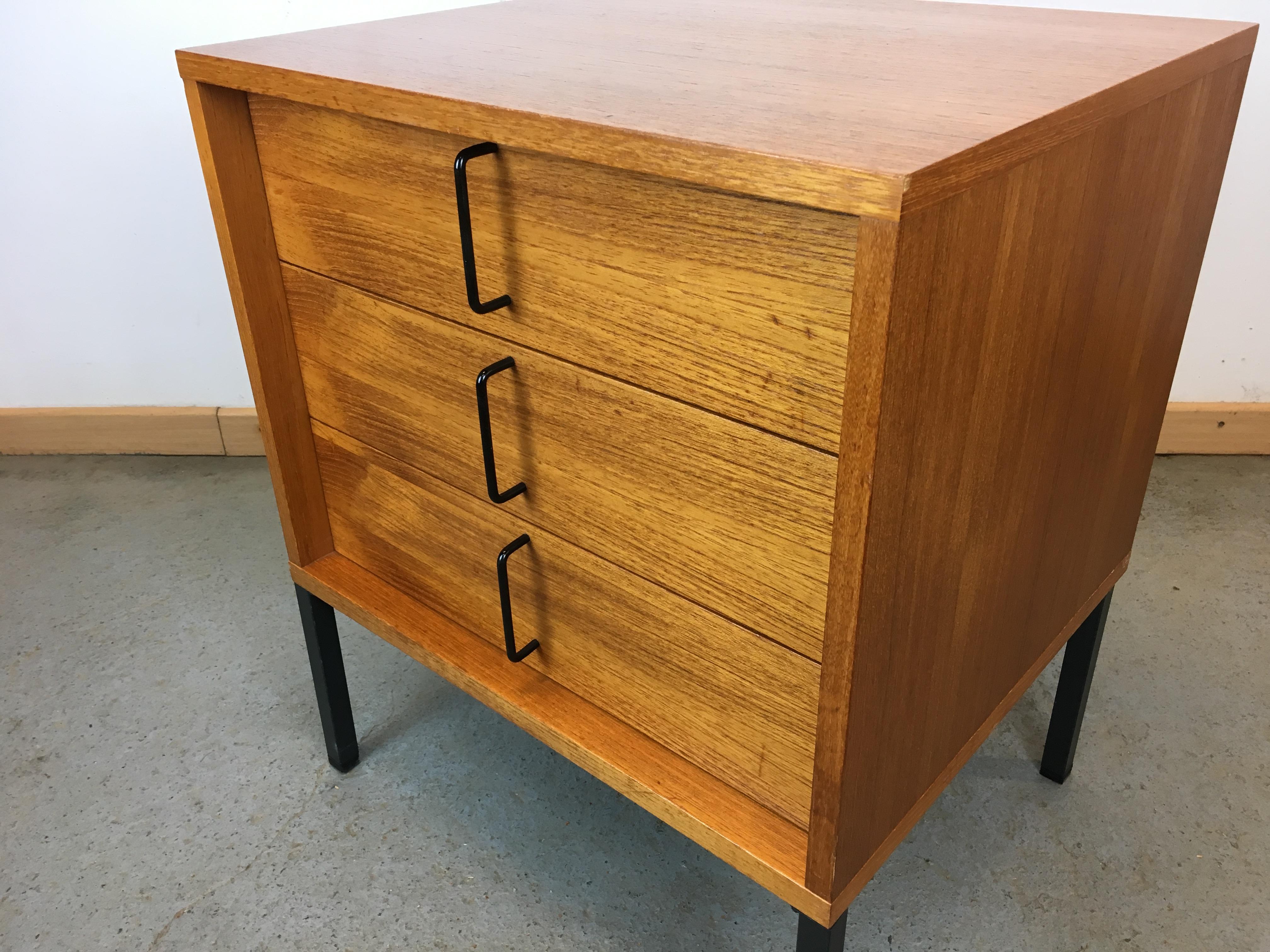 commode teck ann e 60 g nter renkel rego moebel. Black Bedroom Furniture Sets. Home Design Ideas