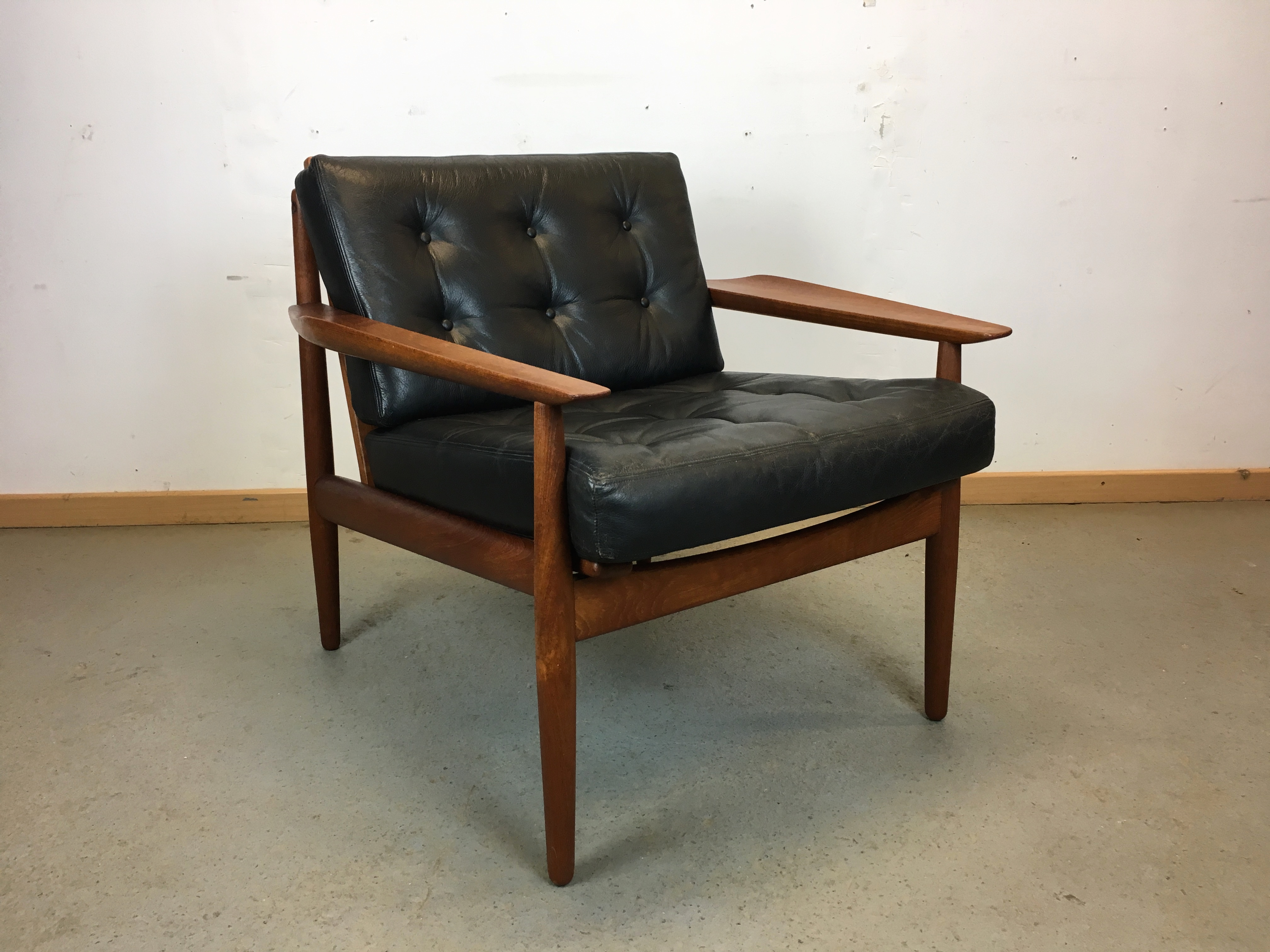 fauteuil scandinave ann e 60 easy chair by arne vodder for gl strup mobelfabrik. Black Bedroom Furniture Sets. Home Design Ideas